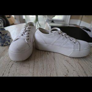 Steve Madden white platform sneaker